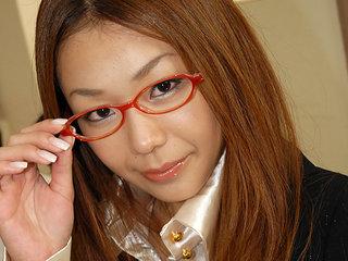 Educator Hirota Sakura nailed in the..