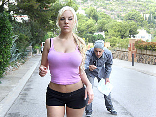 Blonde latina bombshell Blondie Fesser..