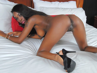 Cute ebony girl Ciara Rose enjoys..
